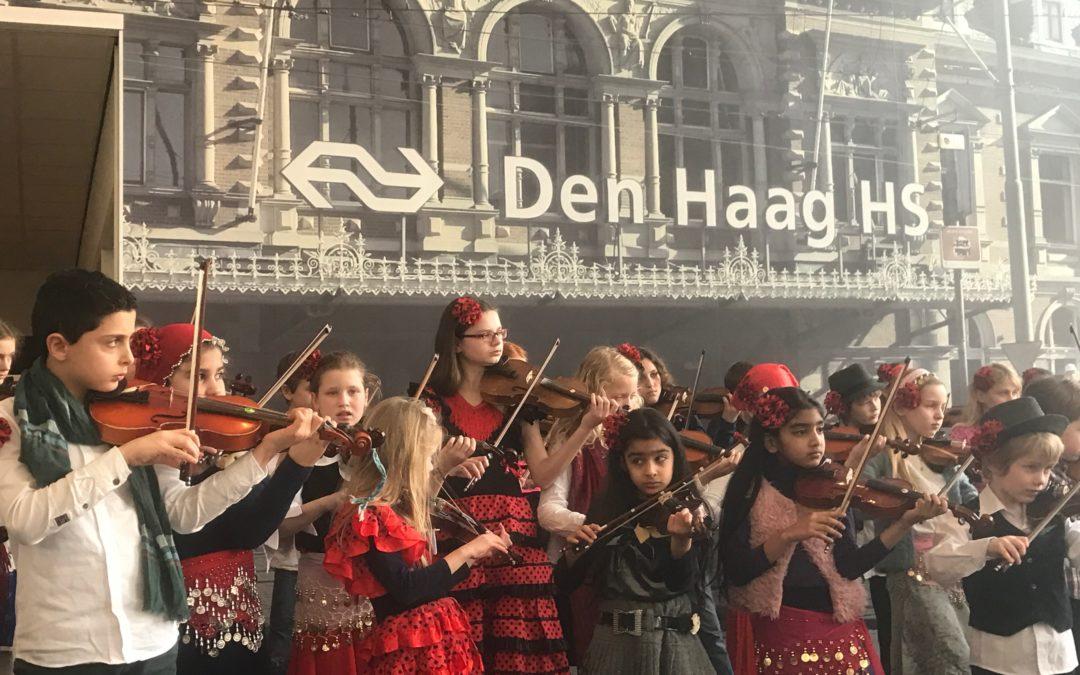 Concert op het Centraal Station Den Haag